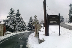 hotel_in_snow2